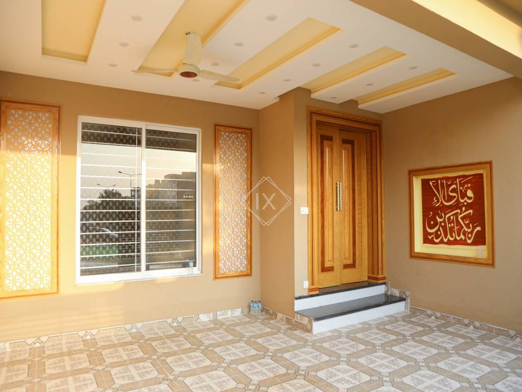 5 Bedroom House For Sale in Bahria Town